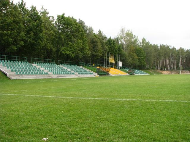 15 stadion komorniki