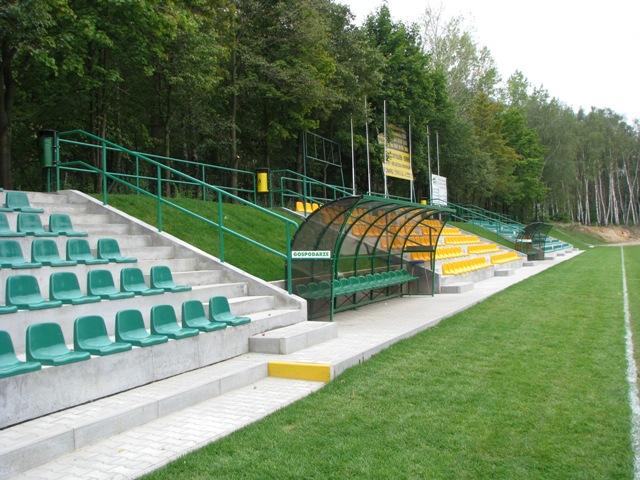 16 stadion komorniki